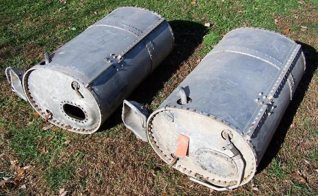 United states consolidated b 24 heavy bomber engine parts for Motor oil storage container