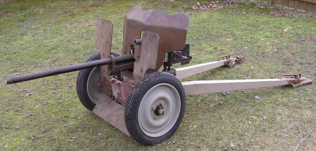 French_1934_25mm_Hotchkiss_AT_Gun_001-10